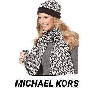 MICHAEL KORS MK Logo Scarf Hat Box Set